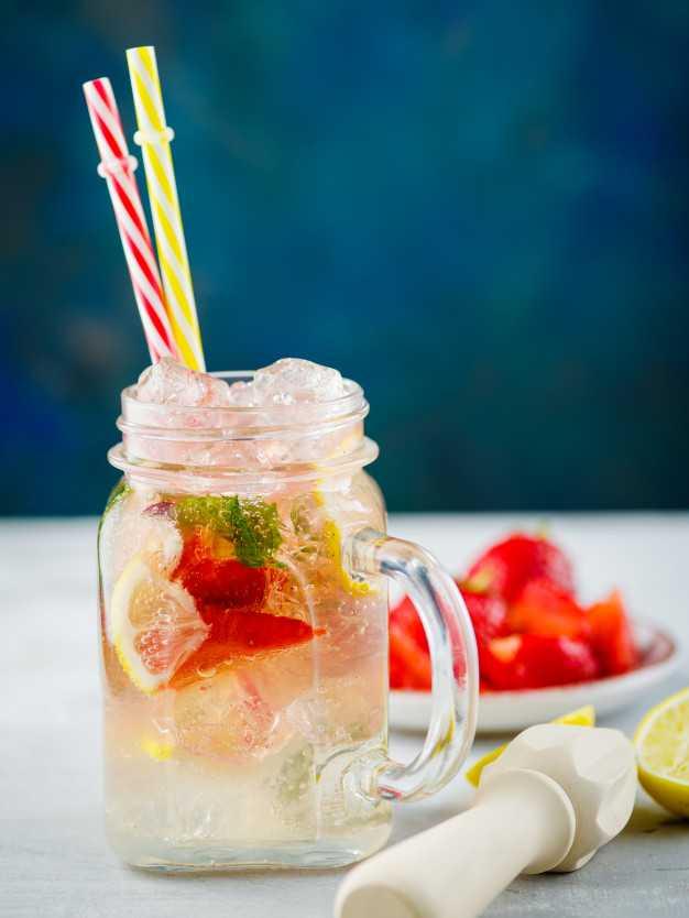 Польза и вред напитка, компота, воды с базиликом и лимоном