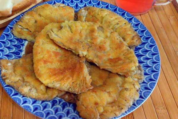 Зонтики в кляре: шесть лучших пошаговых вариантов приготовления. Калорийность готовых блюд. Как выбрать и подготовить зонтики.