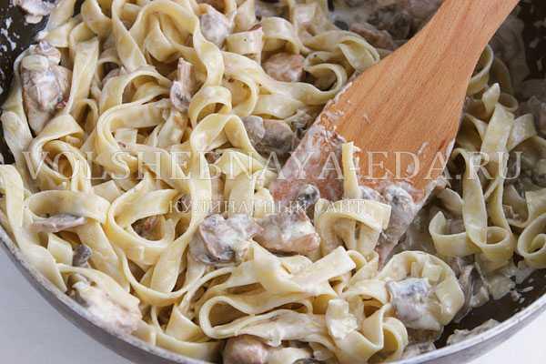 Фетучини с курицей: рецепты приготовления вкусной итальянской пасты в сливочном соусе и без него