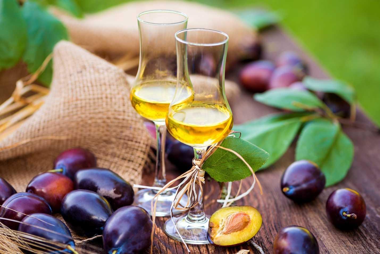 Как приготовить сливовое вино дома