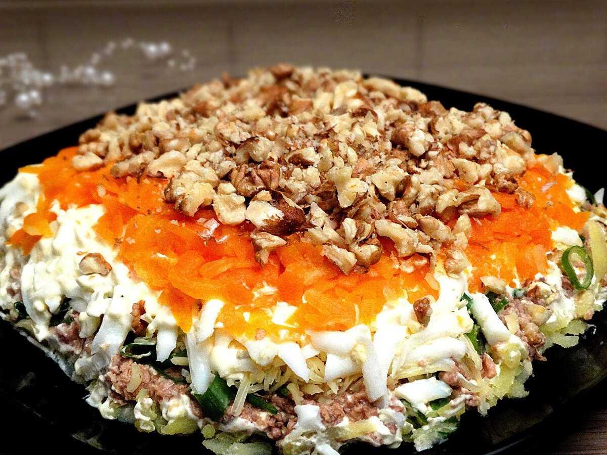 Салат с печенью трески, огурцом и яйцом: рецепт с фото пошагово