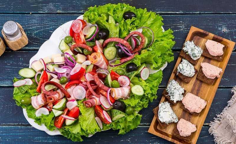 Салат фаворит - рецепт с фото классический с пошаговым описанием