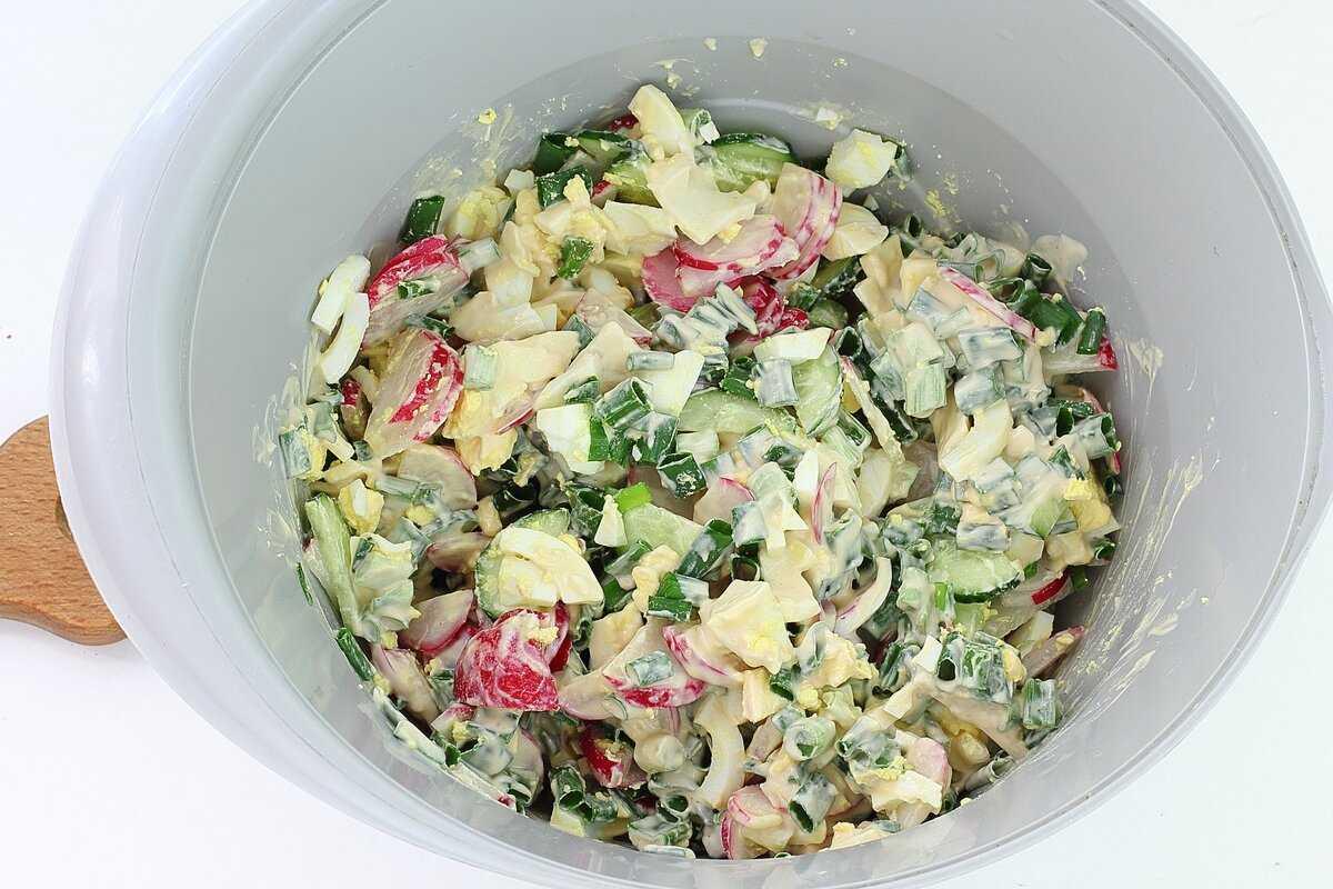 Салат с мясом криля и кукурузой рецепт с фото - 1000.menu