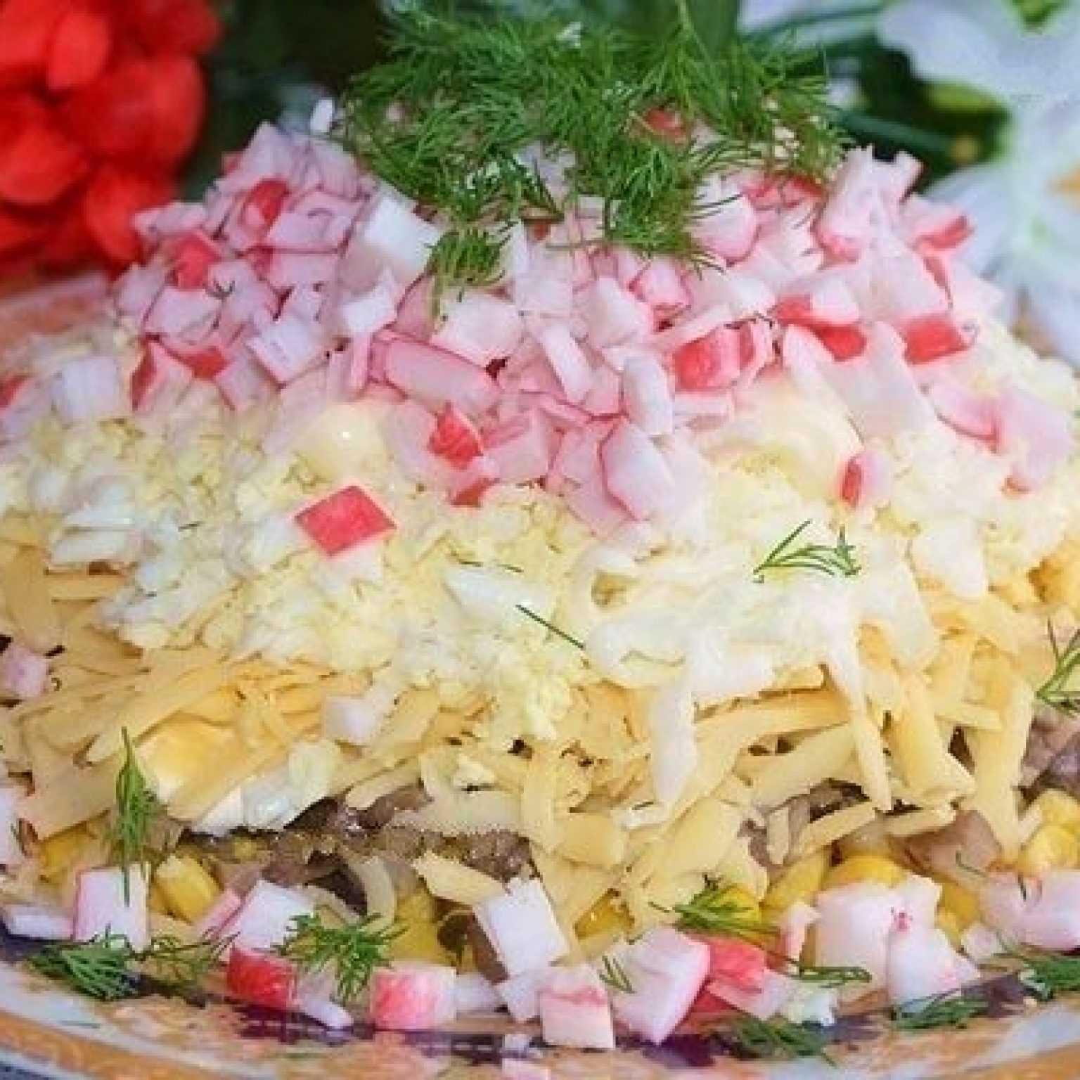 Салат с крабовыми палочками и рисом - от классики до экзотики: рецепт с фото и видео