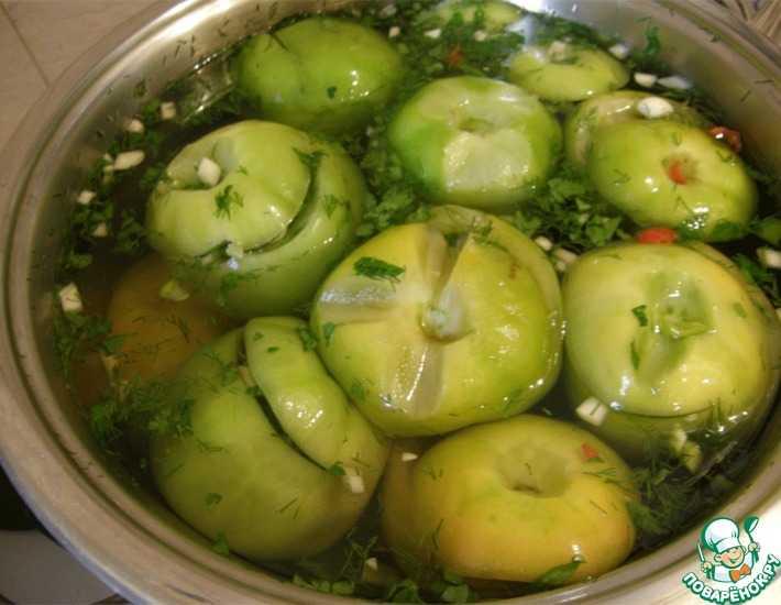 Зелёные помидоры с чесноком внутри на зиму