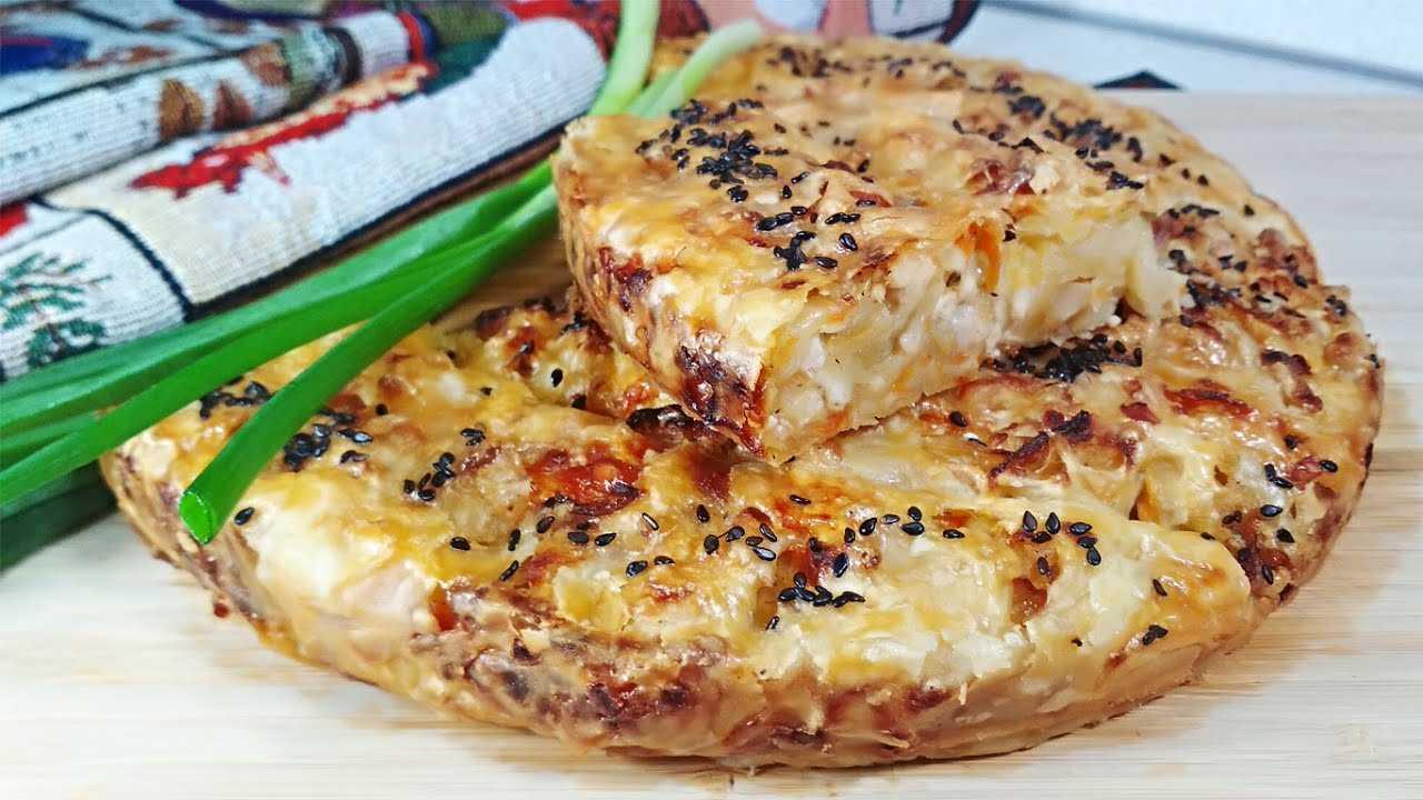 Пирог с капустой и курицей – 9 рецептов из слоенного, дрожжевого теста с цветной или квашенной капустой