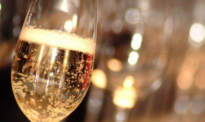 Шампанское из черной, красной и белой смородины в домашних условиях