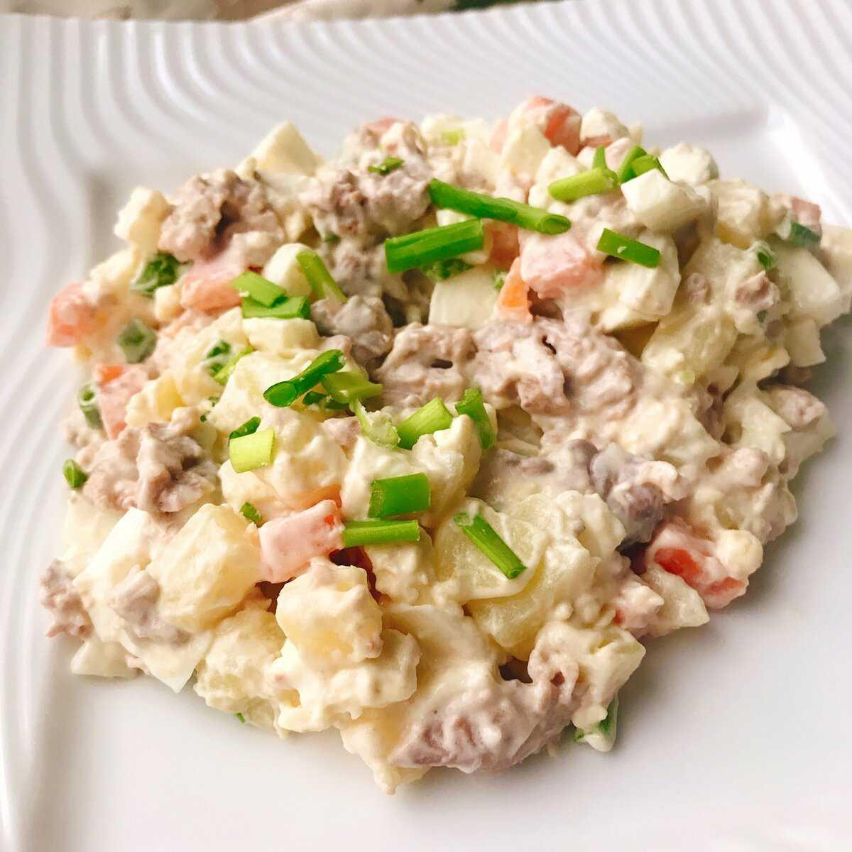 Печень трески яйца зеленый лук салат рецепт с фото пошагово - 1000.menu