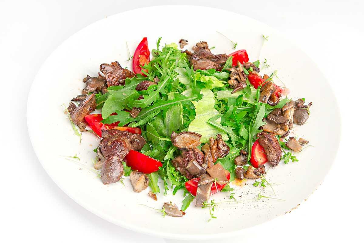 Мясной салат с говядиной, свеклой и яблоками рецепт с фото - 1000.menu
