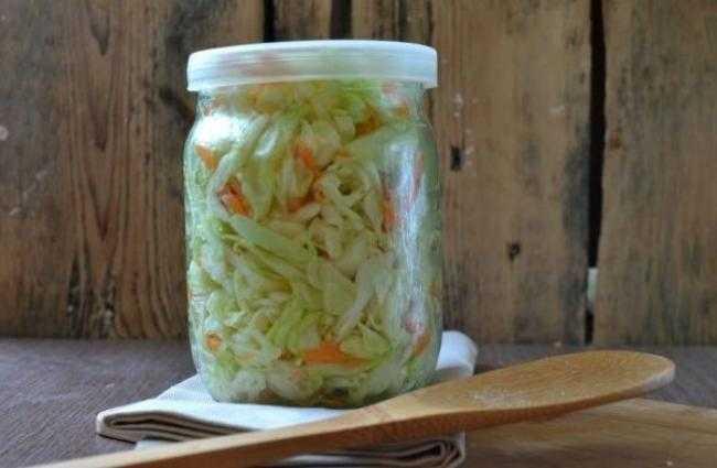 Маринованная капуста с яблочным уксусом: особенности приготовления заготовки.