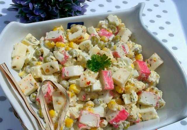 Салат с кириешками: рецепты с фото пошагово