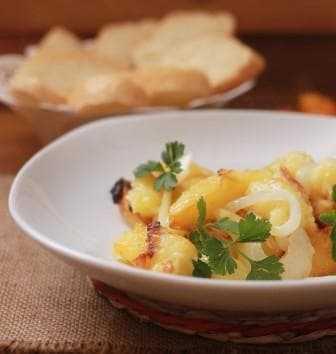 Картошка с грибами, жареная на сковороде — лучшие рецепты
