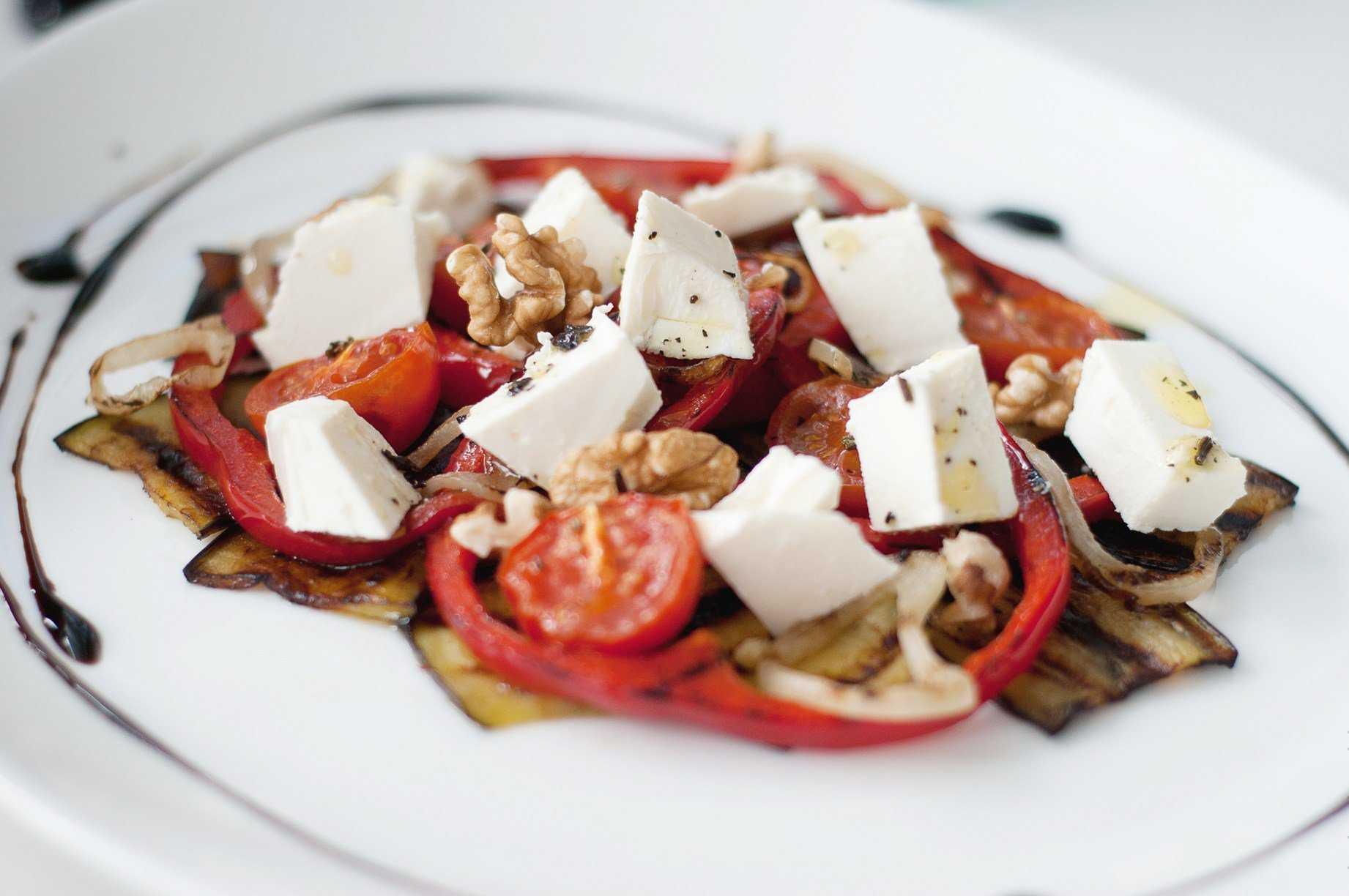 Салат летний с баклажанами быстро и просто рецепт с фото и видео - 1000.menu