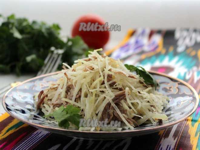 Узбекский рецепт салата с редькой и мясом: полезно и сытно