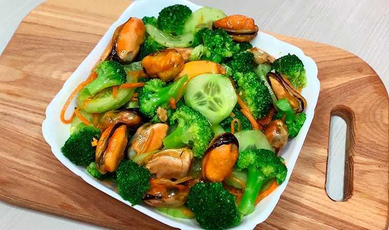 Салат из брокколи: 15 легких и вкусных рецептов на каждый день