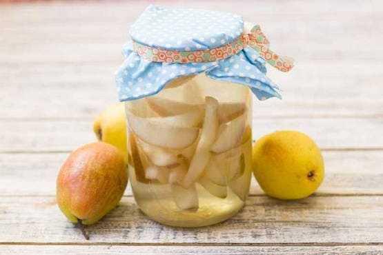 Компот из груш на зиму: как закатывать и бланшировать фрукт, рецепты приготовления, как сохранить заготовки на длительное время, почему компот со временем меняет цвет.