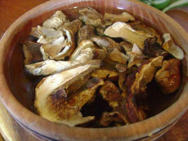 Как и сколько варить сушеные грибы?
