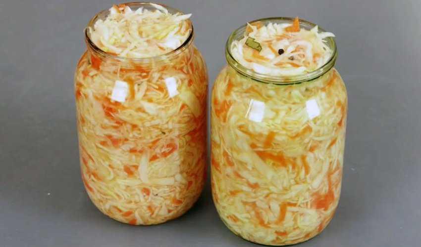 Сколько и как хранить квашеную капусту в холодильнике и погребе