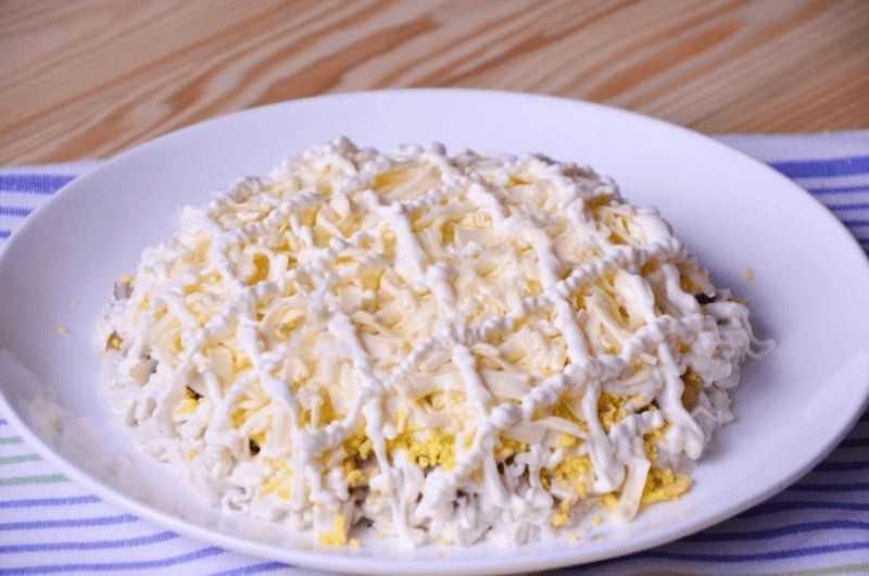 Закуска с плавленым сыром яйцами майонезом рецепт с фото - 1000.menu