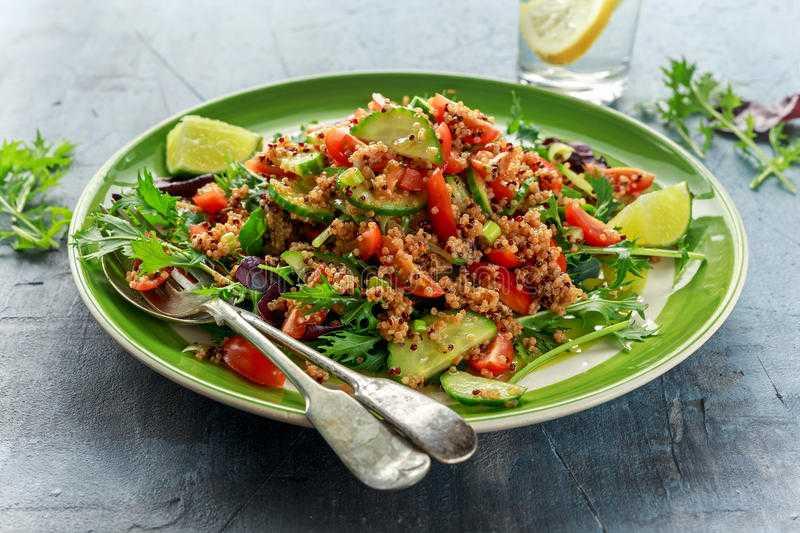 Салат из овощей и киноа - 63 рецепта: салаты   foodini
