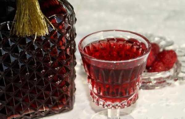 Настойка из алычи: 5 рецептов в домашних условиях