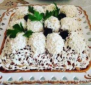Салат «снежные сугробы» с курицей