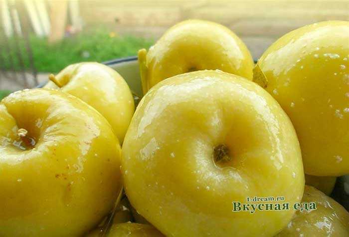 Моченые яблоки с капустой: рецепты приготовления.