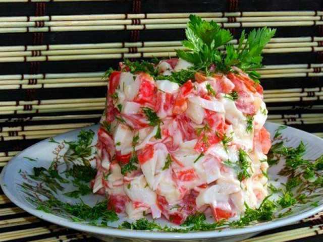 Салат с грибами и крабовыми палочками - 105 рецептов: салаты   foodini