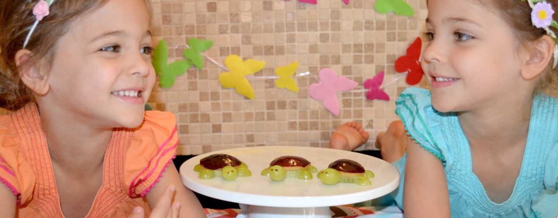 Простые и сладкие канапе для праздничного стола