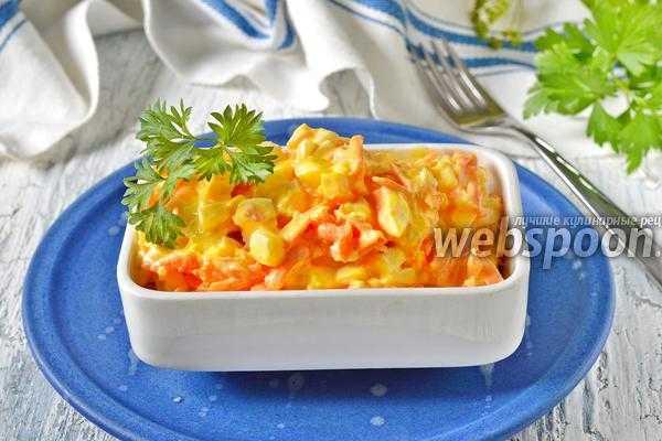 Салат «ежик» с корейской морковью, курицей, кукурузой и сухариками
