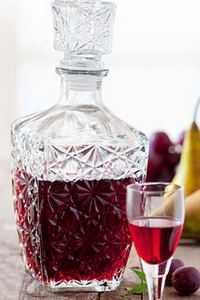 Наливка из сливы: рецепты домашней сливовой наливки с изюмом, мятой, кардамоном, имбирем, цедрой апельсина, дыней, в мультиварке, без сахара, на спирту. Как правильно сделать сливовую наливку в домашних условиях.