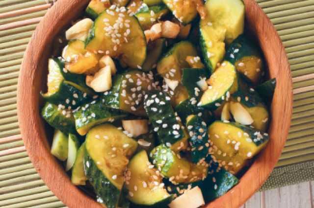 Битые огурцы по-китайски: рецепты приготовления с фото