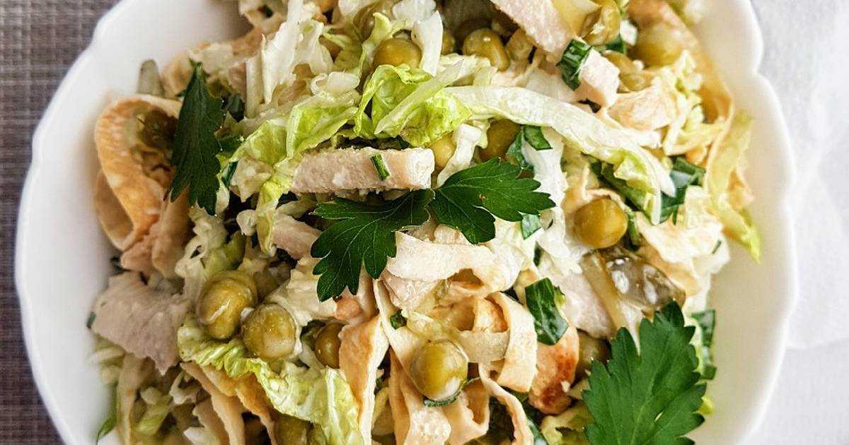 Салат из пекинской капусты с курицей сухариками и помидорами рецепт с фото пошагово - 1000.menu