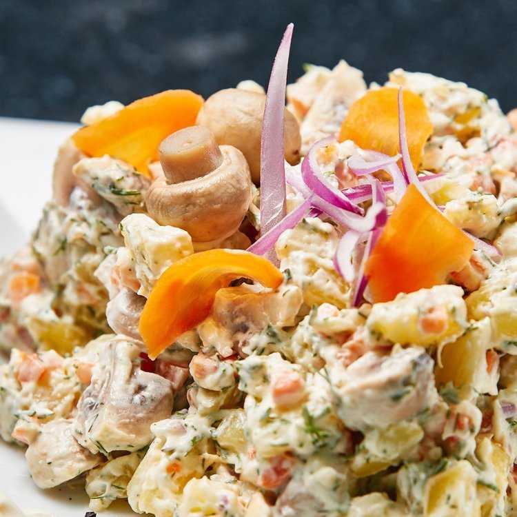 Салат грудка консервированные грибы майонез