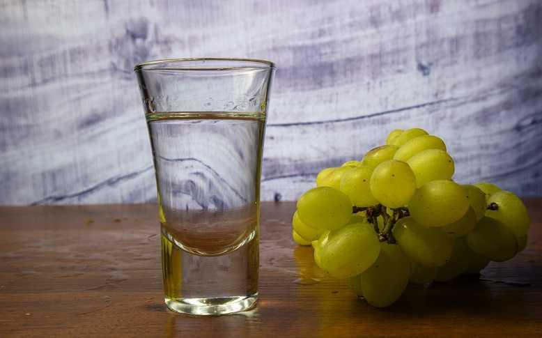 Напиток чача: как приготовить домашнюю настойку, на чем настоять и как достичь нужного градуса