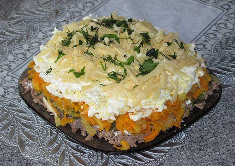 Слоеный салат с куриной печенью рецепт с фото