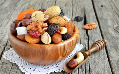Мед, лимон, орехи, курага: польза для организма + 10 рецептов