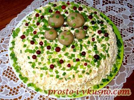 Салат с лисичками: тонкости приготовления блюда из грибов, лучшие рецепты. Варианты зимних салатов с различными добавками на любой вкус.