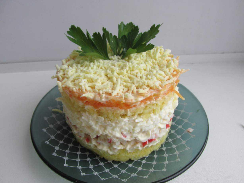 Зимний салат: простой способ приготовления по классическому рецепту