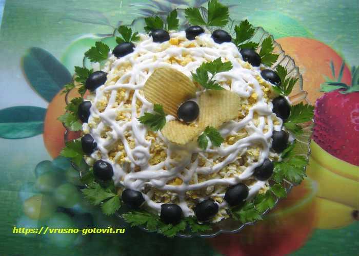Салат с авелуком и шампиньонами