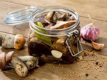 Грибы маринованные на зиму, 13 рецептов приготовления