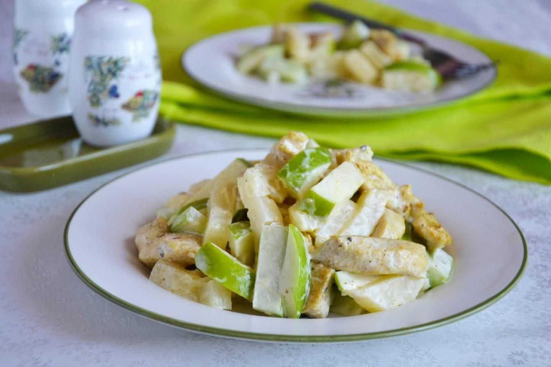 Салат с огурцом яблоком и сельдереем рецепт с фото пошагово - 1000.menu
