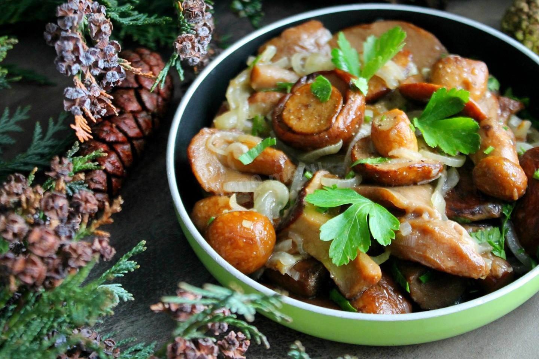 Сколько жарить маслята на сковороде после варки? | whattimes.ru