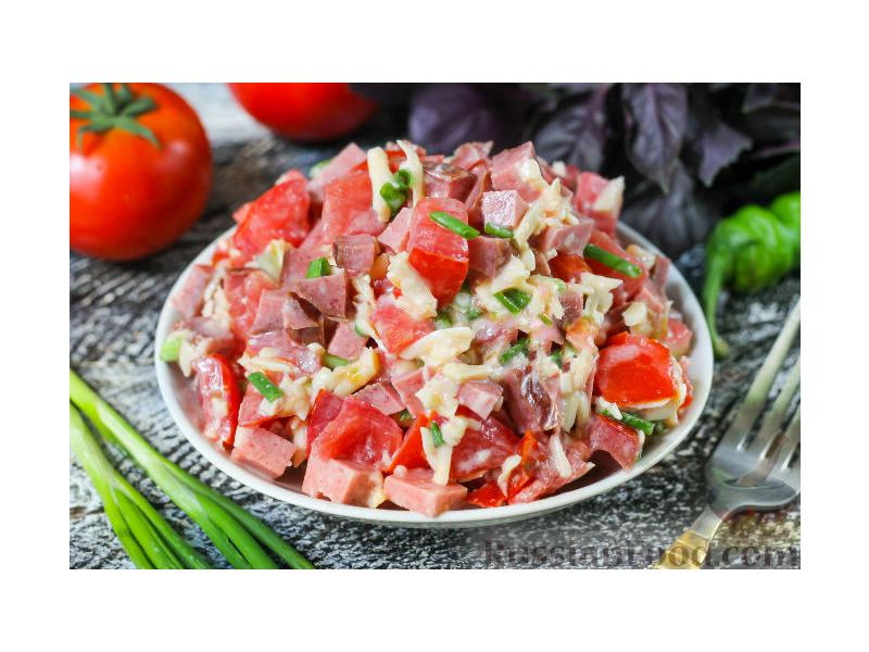 Салат гусарский: рецепты с фото пошагово, с помидорами, копчёной курицей и говядиной, видео