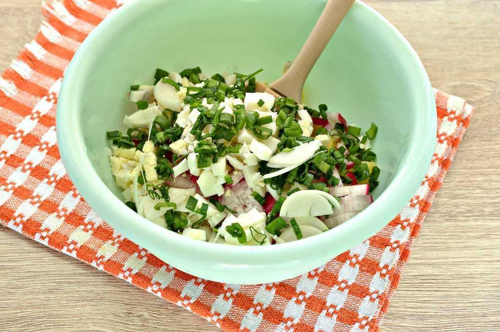 Салат из редиски - 46 домашних вкусных рецептов приготовления