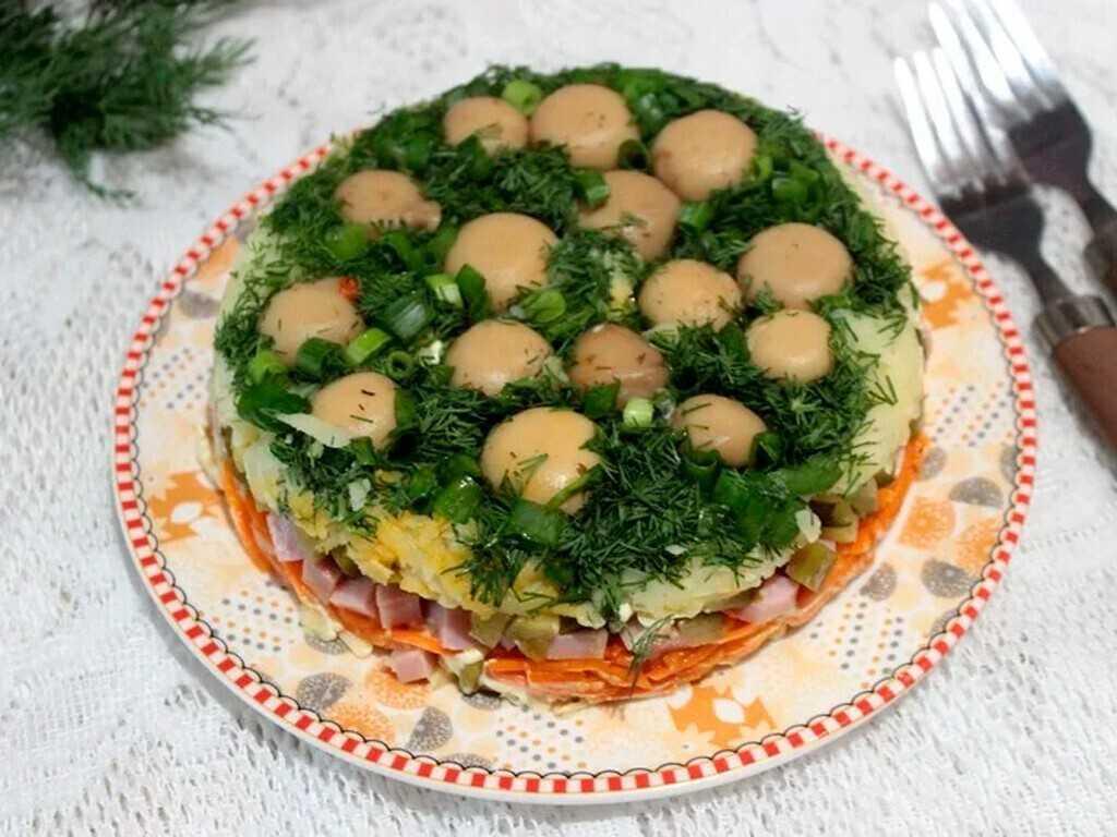 Салат грибная полянка рецепт с фото пошагово - 1000.menu