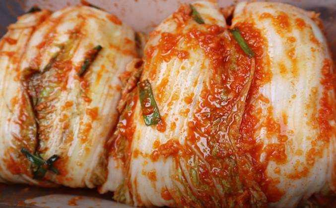 Капуста по-корейски на зиму: белокочанная, цветная, пекинская — 3 лучших рецепта с пошаговыми ингредиентами
