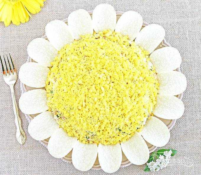 Салат солнышко рецепт с фото с кириешками