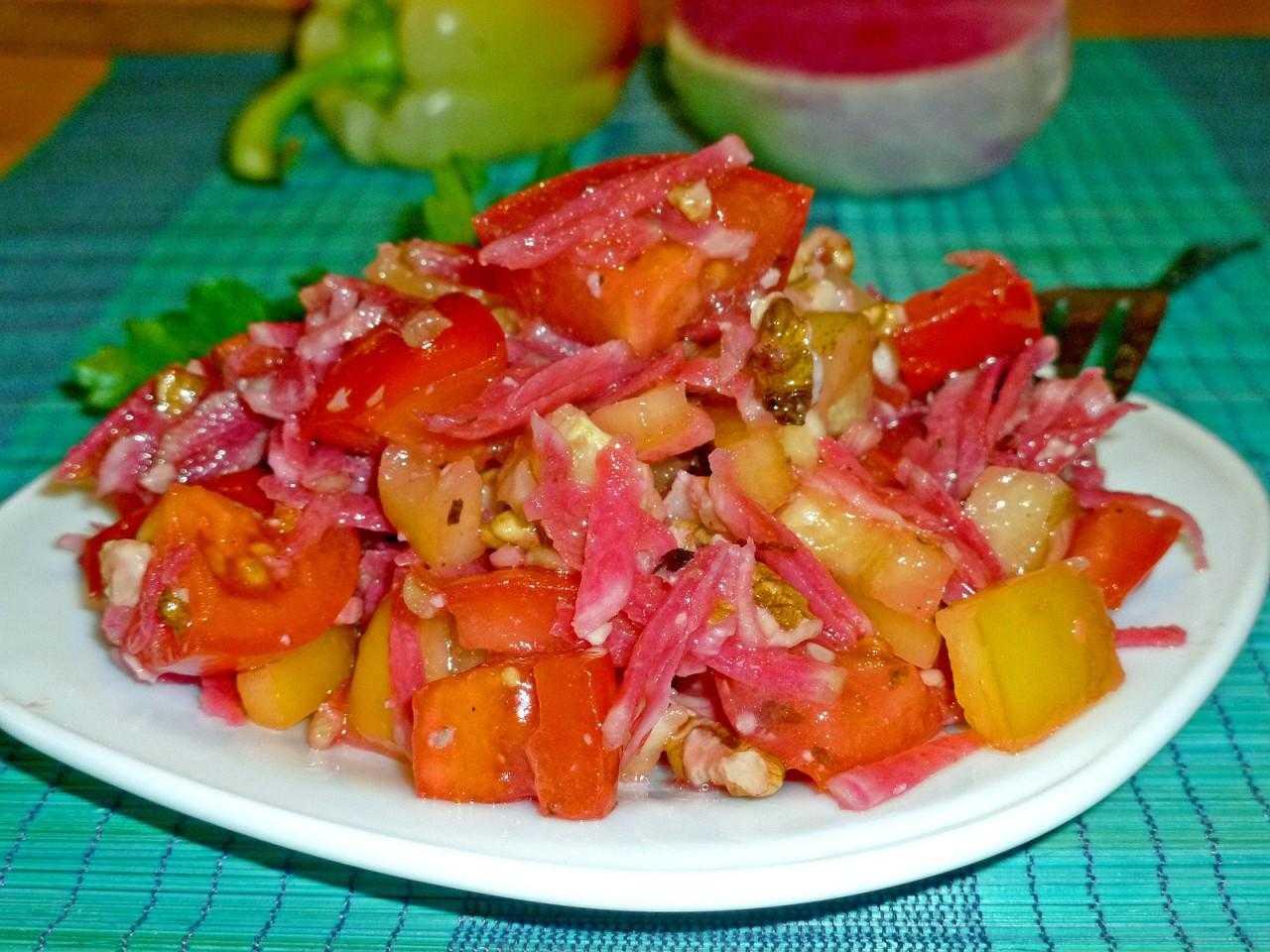 Рецепт салата из редьки с куриным филе и яйцами | меню недели