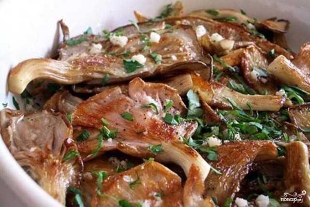 Вешенки жаренные с луком, как приготовить с картошкой, сметаной на сковороде или в духовке